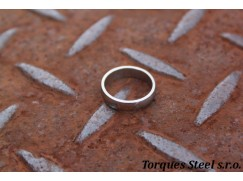 Ring rounded width. 4.5 mm